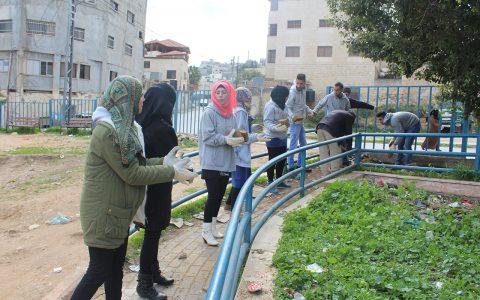Des volontaires pour Omniah - Mahpari Sotoudeh